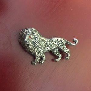 Vintage sterling silver marcasite garnet lion pin